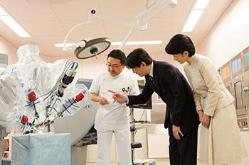 秋篠宮同妃両殿下が病院・障害者施設をご訪問