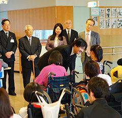 秋篠宮殿下が愛知の病院・障害者施設をご訪問
