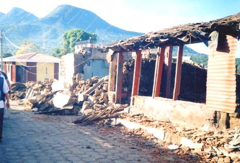 損壊した家屋