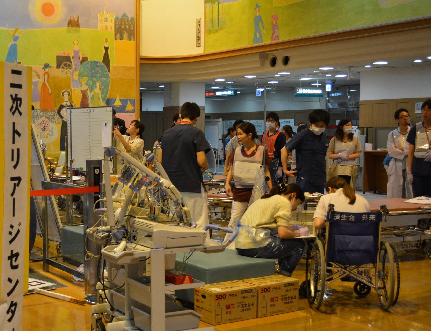 14日の地震後間もなく、熊本病院では負傷者の受け入れを始めた