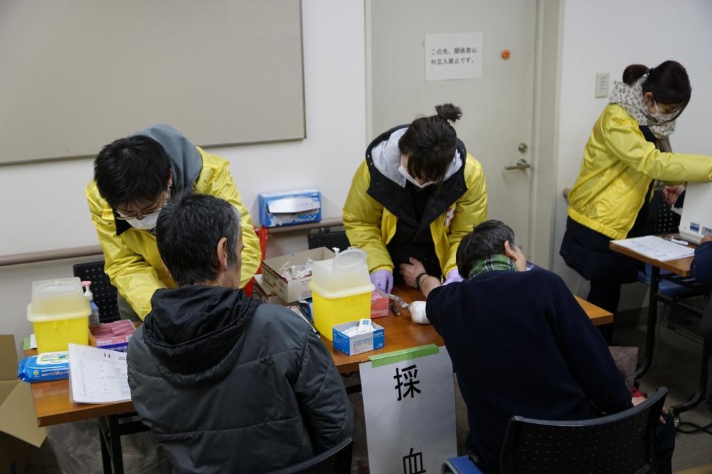 横浜の日雇い労働者の町で無料健康診断